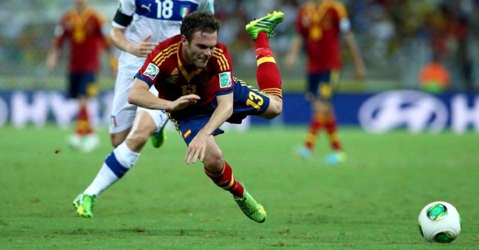 Juan Mata capota no final de Espanha x Itália, pela semifinal da Copa das Confederações