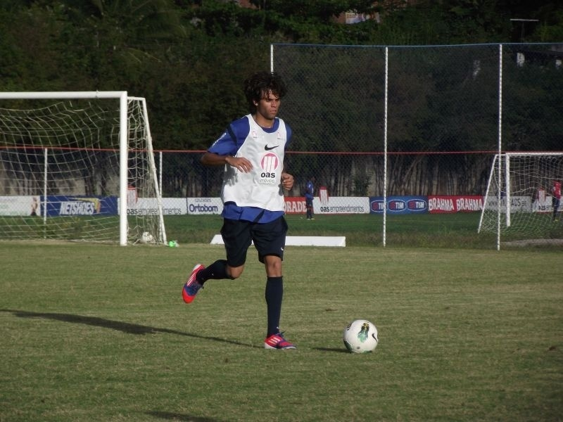 Jussandro, lateral esquerdo do Bahia
