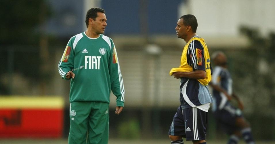 Vanderlei Luxemburgo e Denilson, em 2008, no Palmeiras