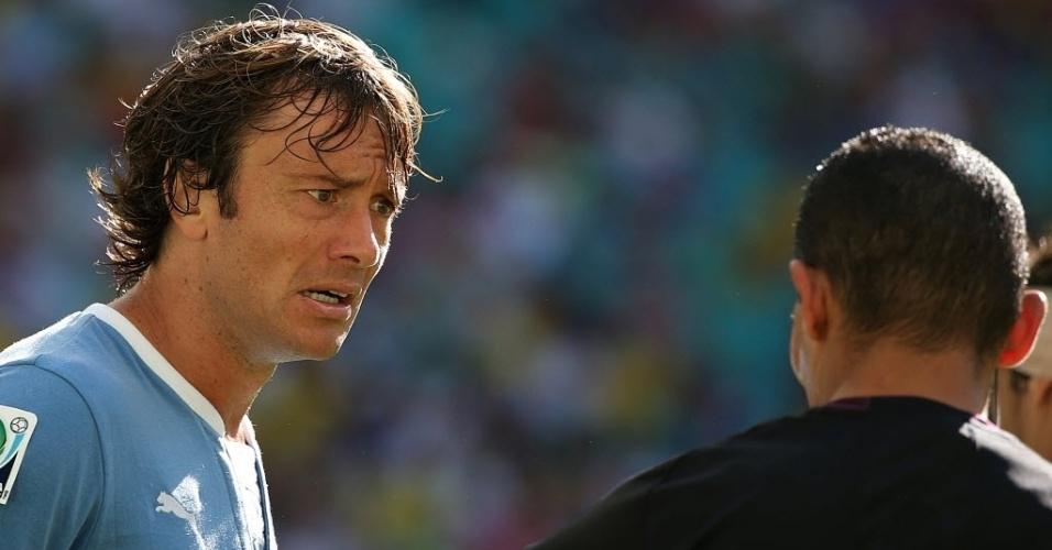 30.jun.2013 - Lugano encara a arbitragem durante a disputa de 3° lugar da Copa das Confederações
