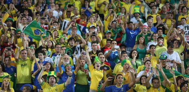 Torcida faz a festa em final da Copa das Confederações; donos de cativas foram barrados
