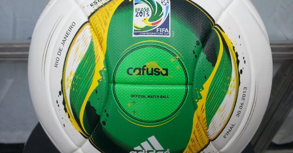 Bola que será utilizada para a final entre Brasil x Espanha