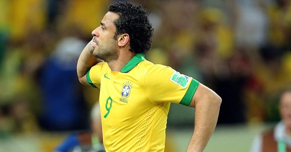 Fred comemora após marcar o terceiro gol do Brasil contra a Espanha