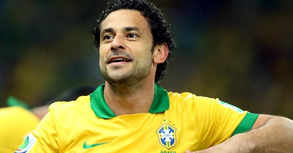 Fred comemora após marcar o terceiro gol do Brasil contra a Espanha no Maracanã