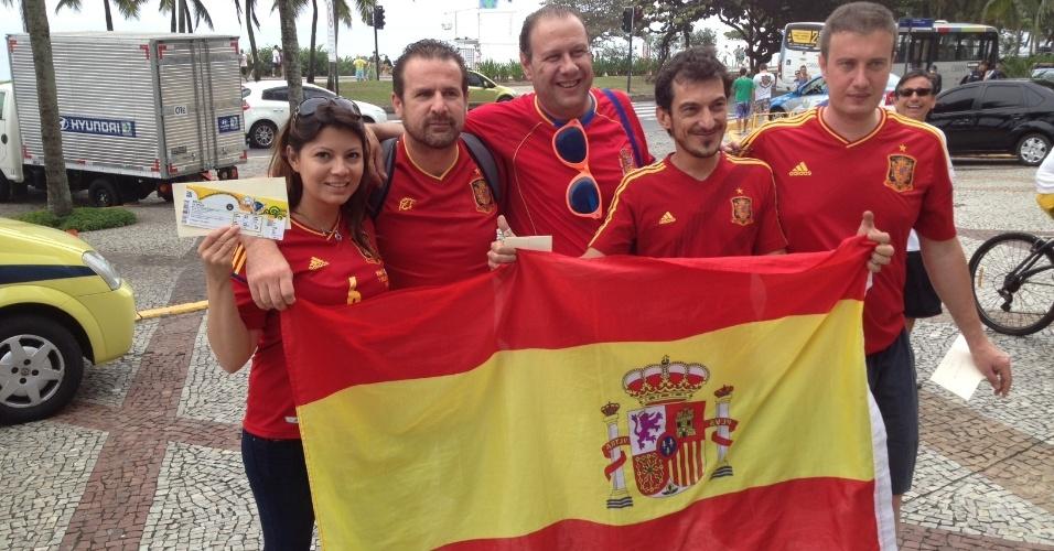 Grupo de espanhois se prepara para ir ao Maracanã, palco da final entre Brasil x Espanha
