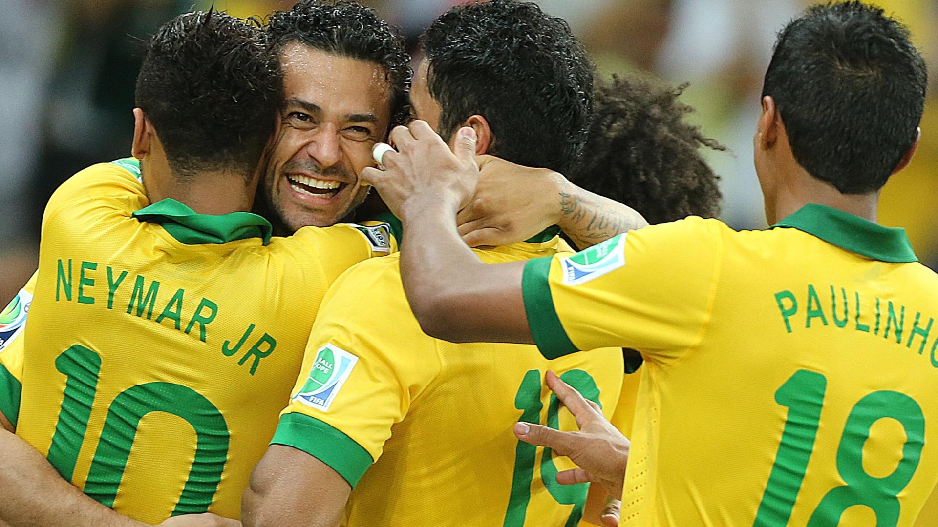 Jogadores do Brasil comemoram terceiro gol marcado contra a Espanha, e o segundo de Fred, na final da Copa das Confederações