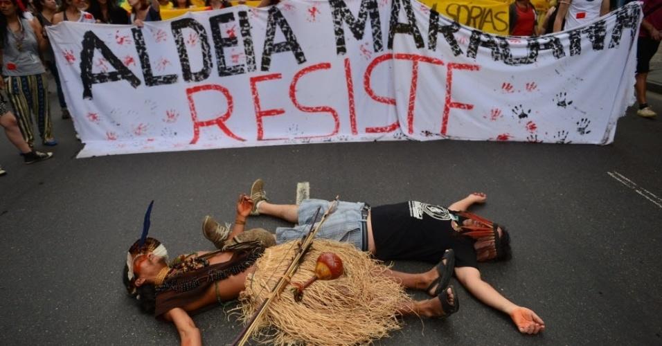 Manifestantes se dirigem ao Maracanã contra privatização do estádio
