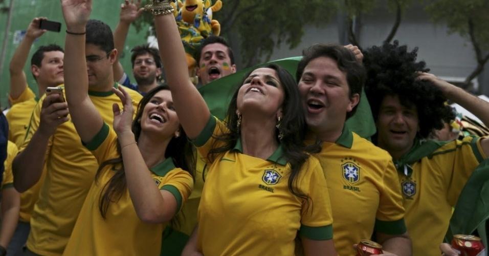 Torcedores chegam ao Maracanã para a final da Copa das Confederações