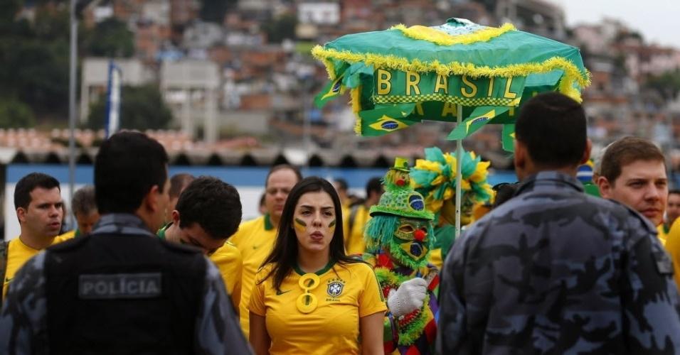 Torcedores chegam ao Maracanã sob forte esquema de segurança