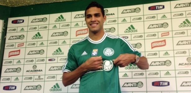 Atacante Alan Kardec tem os direitos ligados ao Benfica e veio por empréstimo - João Henrique Marques/UOL