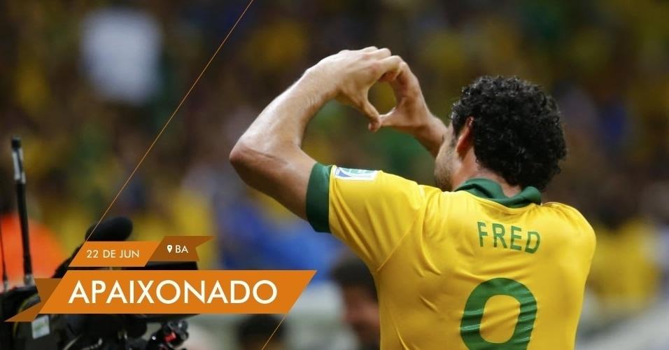 APAIXONADO Fred manda recado para namorada após marcar dois gols na vitória do Brasil sobre a Itália no encerramento da primeira fase da Copa das Confederações