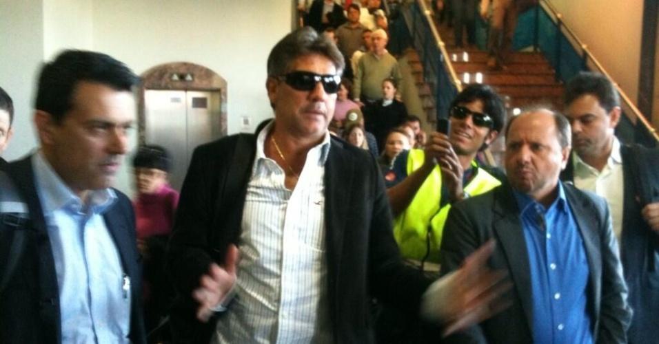 Renato Gaúcho desembarca em Porto Alegre para reassumir o Grêmio