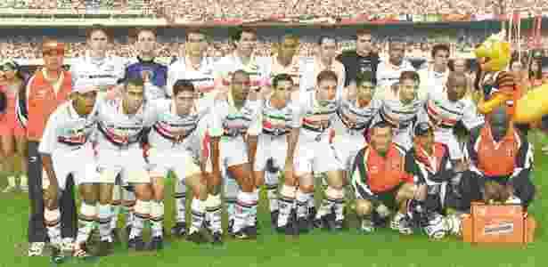 Time do São Paulo campeão em 2000 tinha nomes como Raí, Evair, Belletti, Hiroshi e Fábio Aurélio - Ormuzd Alves/Folhapress - Ormuzd Alves/Folhapress
