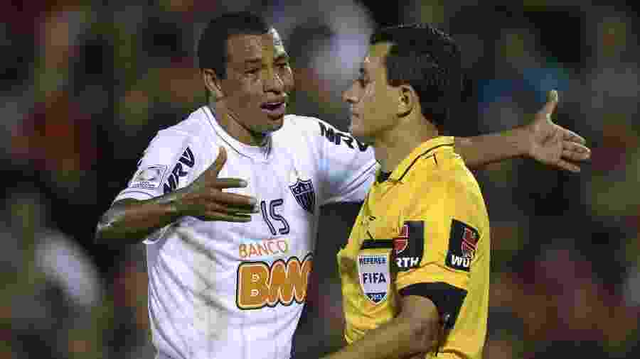 Gilberto Silva foi campeão da Copa Libertadores 2013 pelo Atlético-MG - AFP PHOTO / Juan Mabromata