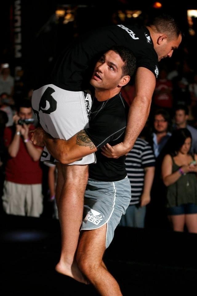03.jul.2013 - Desafiante de Anderson Silva pelo título dos pesos médio, Chris Weidman faz treino aberto em Las Vegas
