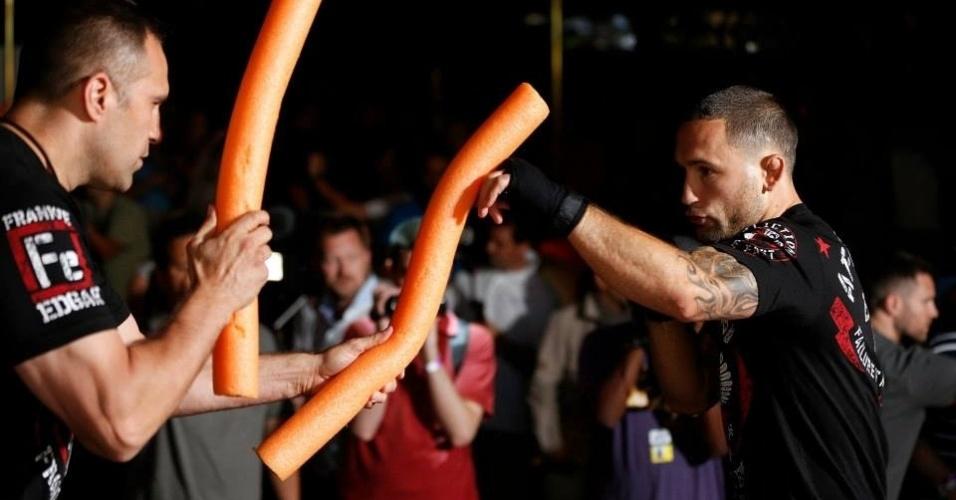 03.jul.2013 - Frankie Edgar participa de treino aberto do UFC em Las Vegas antes da edição 162 do evento