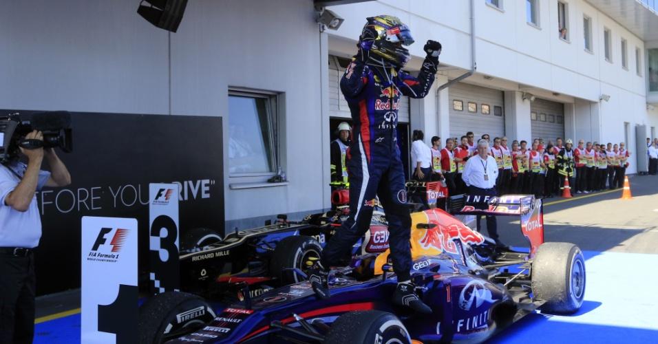 07.jul.2013 - Sebastian Vettel comemora a vitória no Grande Prêmio da Alemanha