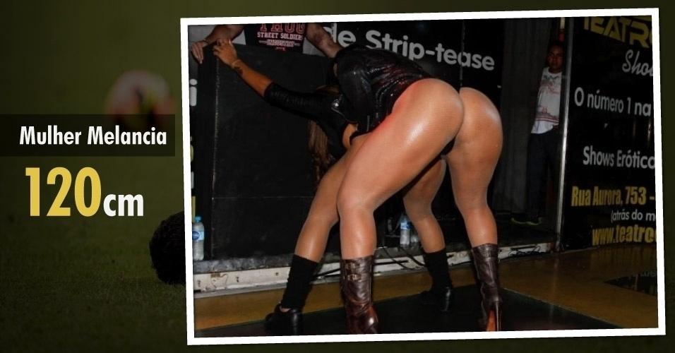 A funkeira Mulher Melancia tem 120 cm de bumbum