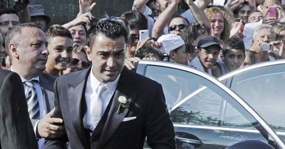 13.jul.2013 - Xavi chega a castelo na Catalunha para casamento com Nuria Cunillera