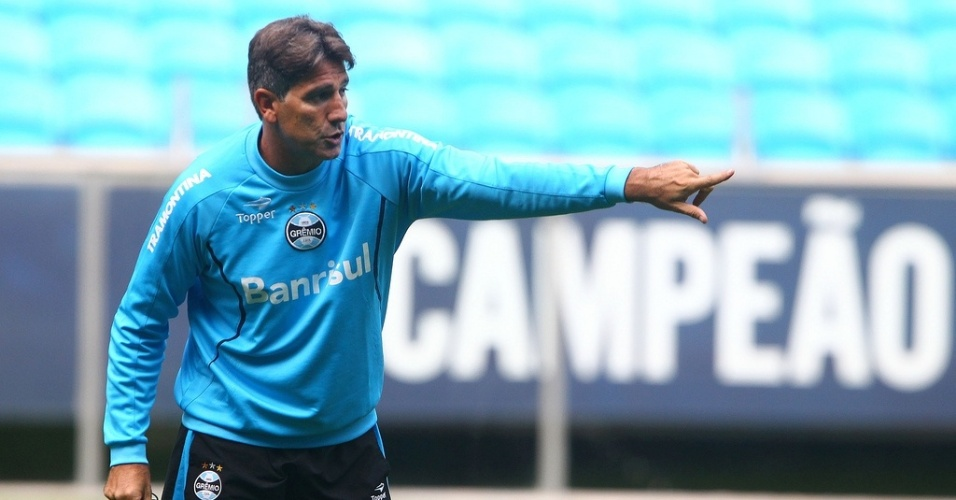 Técnico Renato Gaúcho comanda treino do Grêmio na Arena com a palavra