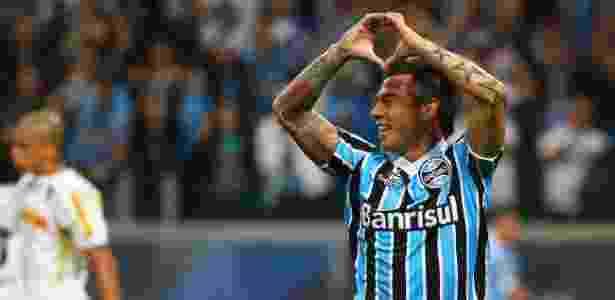 Chileno deve defender o time da Vila Belmiro por empréstimo de um ano e meio - Lucas Uebel/Preview.com