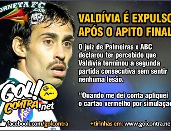 Corneta FC: Valdivia é expulso por simulação