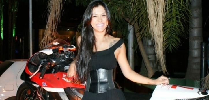 Imagem de arquivo da piloto de motovelocidade Vanessa Daya, que morreu vítima de um acidente em Brasília em 17/07/2013. Vanessa era fanática por motos. Ela conseguiu juntar patrocinadores para fundar liga feminina de motovelocidade no DF