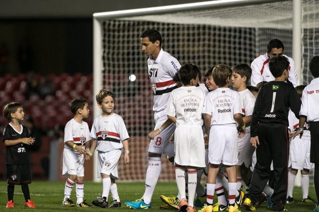 Santos expõe mágoa e veta medalha de campeão da Recopa a Ganso ... b5bf7fb63d071