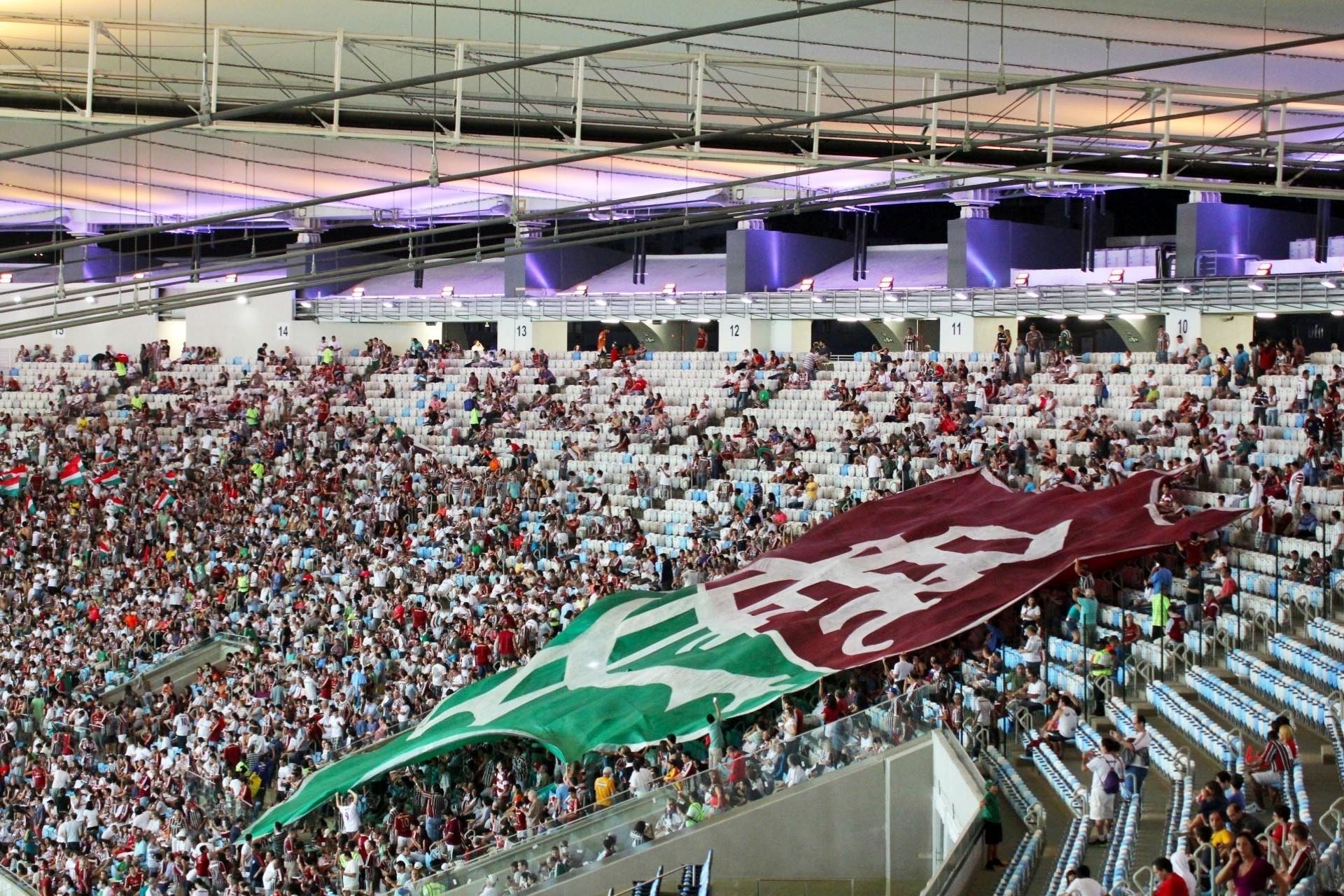 21.07.13 - Torcida do Fluminense marca presença no Maracanã para o duelo contra o Vasco