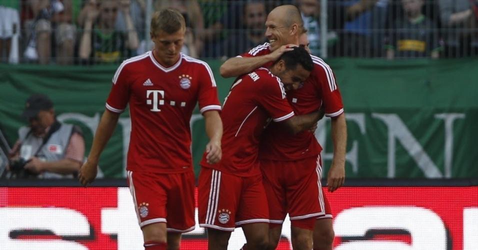 Brasileiro naturalizado espanhol Thiago Alcântara comemora gol em amistoso do Bayern
