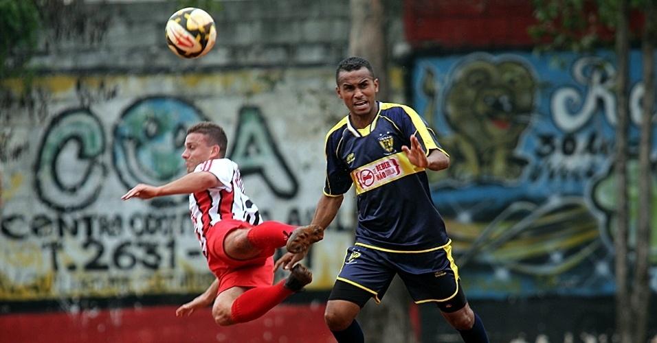 Jaçanã (vermelho) venceu o Gessan (azul) por 1 a 0