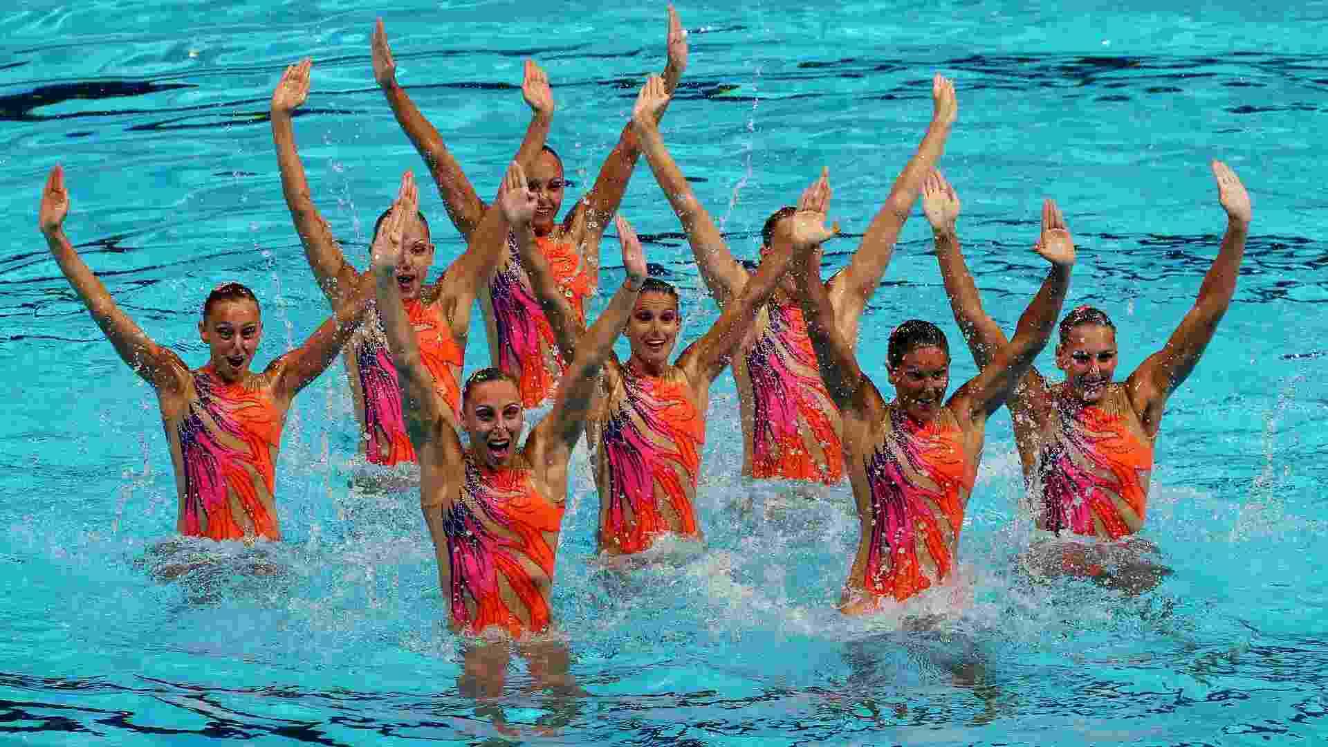 20.jul.2013 - Conjunto italiano de nado sincronizado se apresenta na eliminatória de rotina técnica do Campeonato Mundial de esportes aquáticos em Barcelona - EFE/Alejandro García