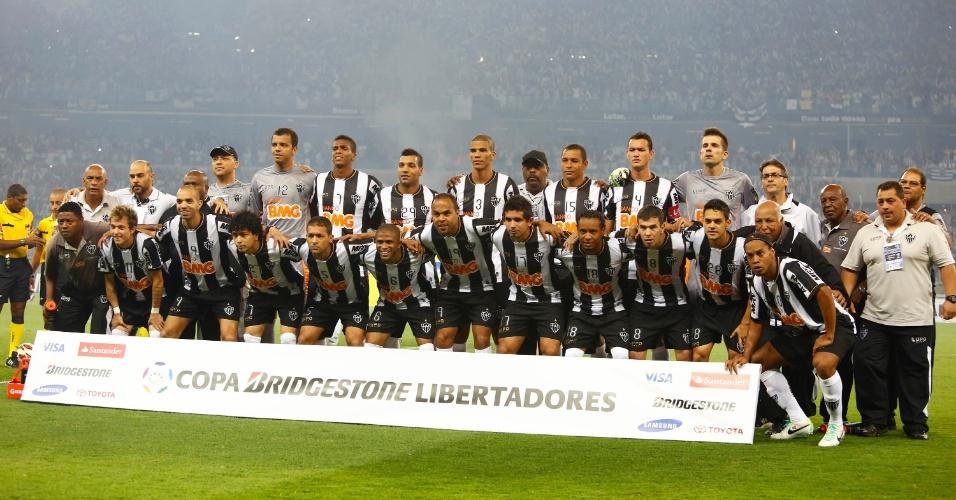 24.07.2013 - Time do Atlético-MG posa para fotos antes da final da Libertadores