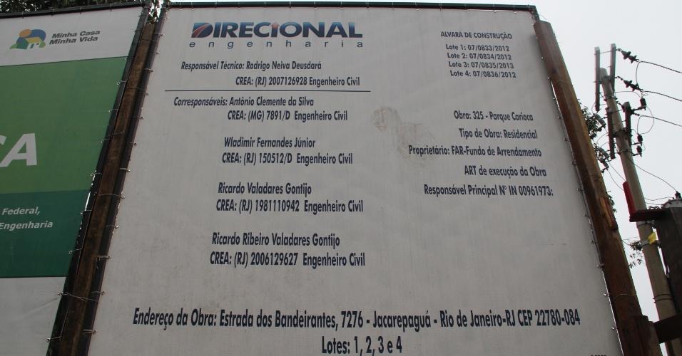 Placas no canteiro de obras trazem informações sobre obras do Parque Carioca