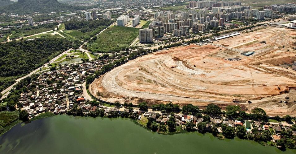 Vila Autódromo é bairro que fica ao lado do canteiro de obras do Parque Olímpico da Rio-2016
