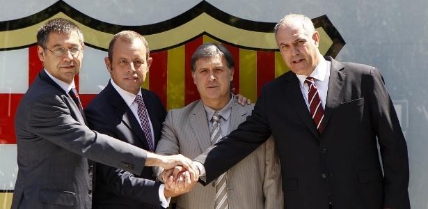 Zubizarreta (dir) contratou Martino para o lugar de Guardiola