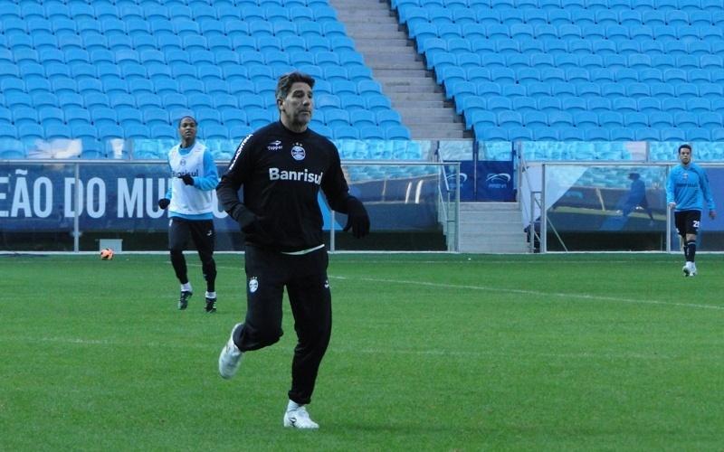 Técnico Renato Gaúcho participou do treino recreativo com o grupo do Grêmio na Arena (27/07/2013)