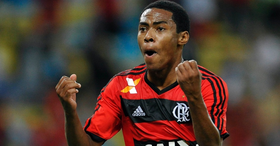 Elias conseguiu o empate para o Flamengo aos 49min do segundo tempo