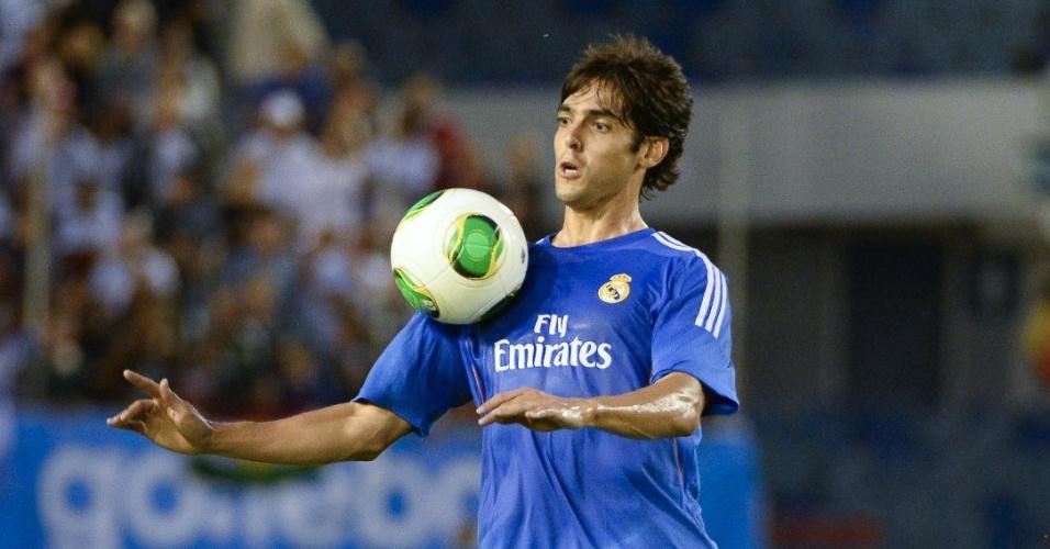 Meia Kaká voltou a atuar pelo Real Madrid no amistoso contra o PSG