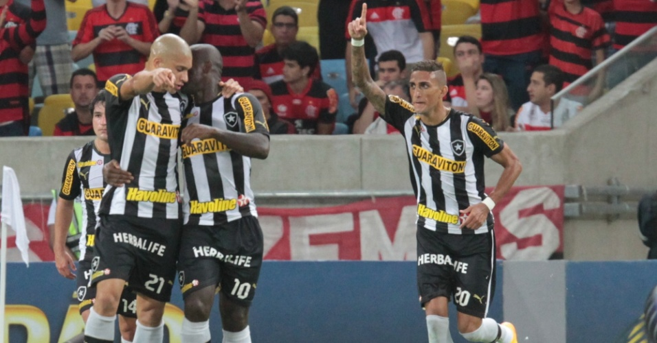 Rafael Marques anotou golaço no primeiro tempo para o Botafogo