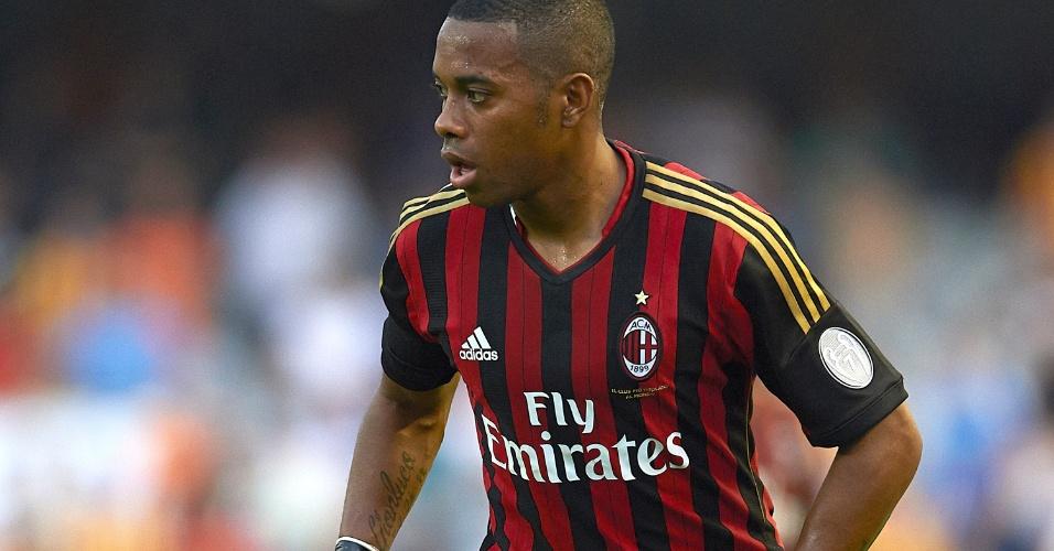 Robinho marcou o primeiro gol do Milan na vitória sobre o Valencia por 2 a 1