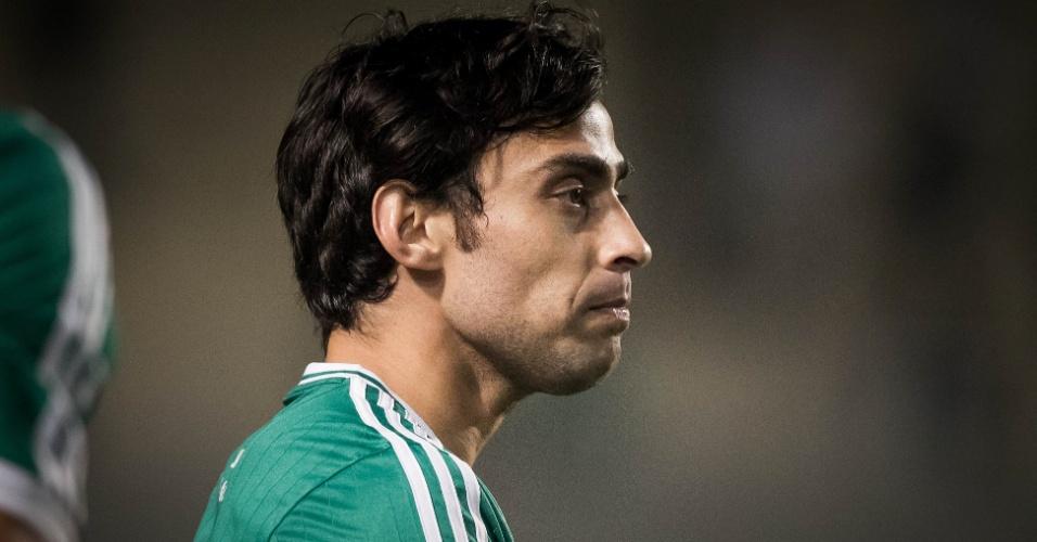 30.07.2013 - Valdivia entrou no segundo tempo e deu um belo passe para o gol de Alan Kardec
