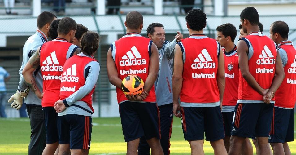 31.jul.2013 - Técnico Vanderlei Luxemburgo acredita que Fluminense pode brigar pelo título