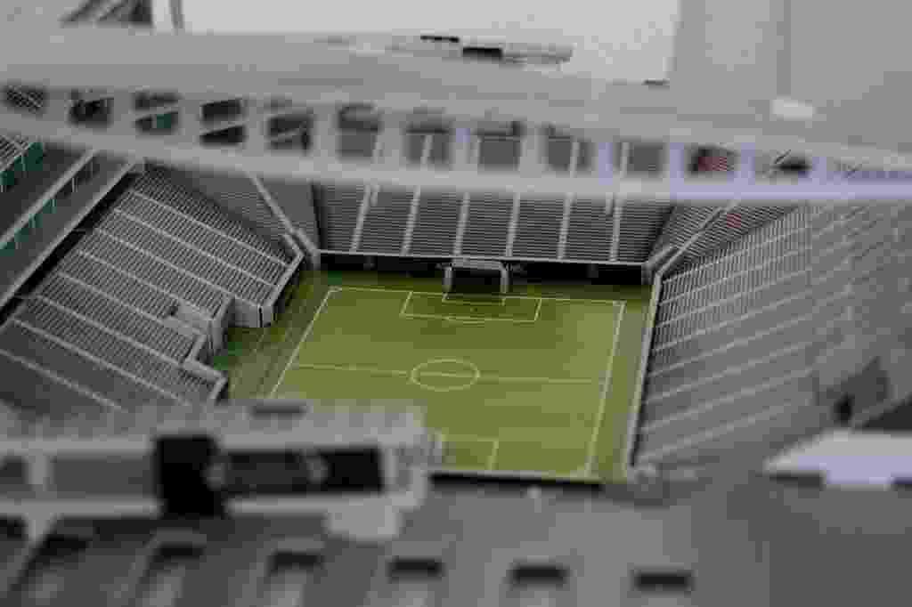 Imagem mostra detalhes internos da miniatura do novo estádio do Corinthians, que está localizado no bairro de Itaquera - Reinaldo Canato/UOL