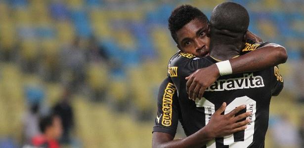 Vitinho mostra cabeça boa com sucesso no Botafogo e exalta