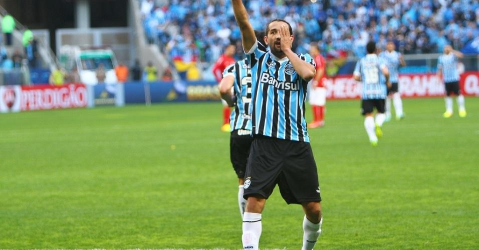 Centroavante Barcos comemora gol do Grêmio contra o Inter no primeiro  Gre-Nal da Arena 426eac81e9739
