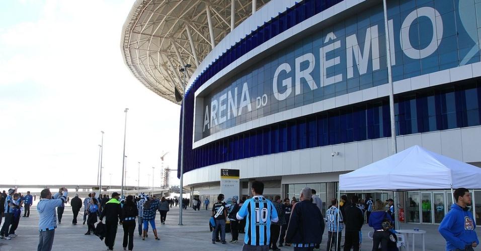 Parte externa da Arena do Grêmio antes do jogo contra o Inter, no primeiro Gre-Nal do novo estádio (04/08/2013)