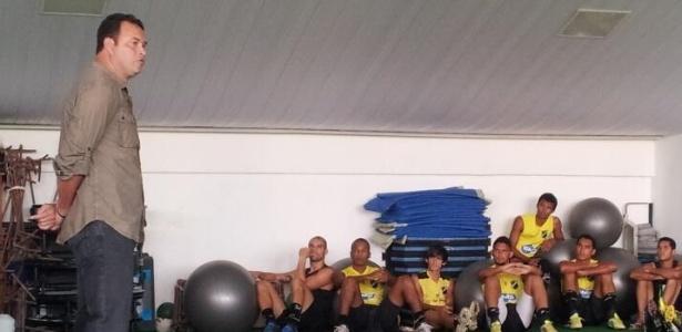 O técnico Roberto Fernandes foi um dos responsáveis pela manutenção do ABC na Série B do Brasileiro