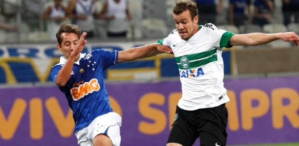 Cruzeiro recusou proposta de R$ 24 milhões por Everton Ribeiro, titular absoluto do time