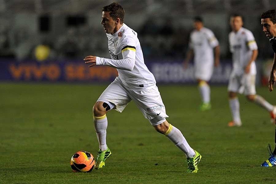 14.agos.2013 - Montillo foi o destaque do Santos no empate por 1 a 1 com o Vasco, na Vila Belmiro